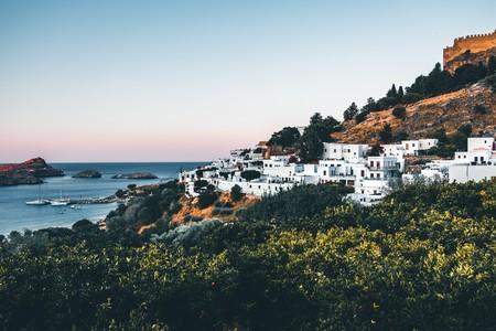 Permisos QR para salir de casa recibidos por SMS, así es como Grecia está controlando las salidas de su ciudadanía