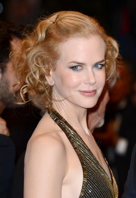 Nicole Kidman vuelve a brillar en Cannes gracias al dorado y a Dior