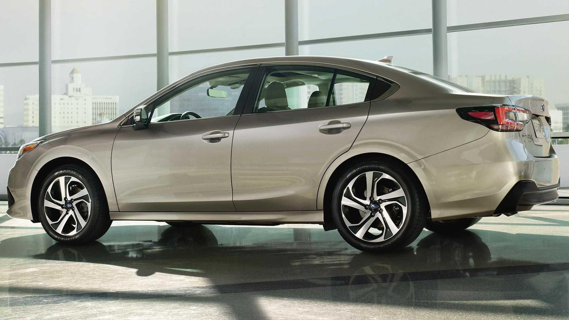 Foto de 2020 Subaru Legacy Sedan (2/14)