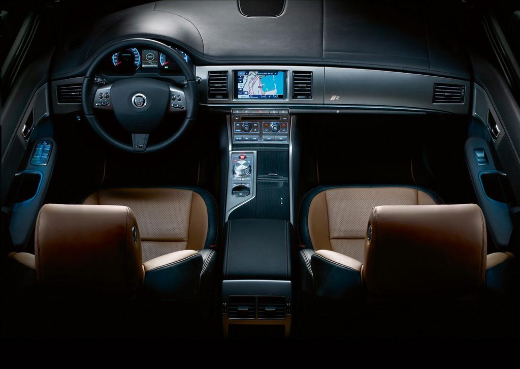 Foto de Jaguar XFR (33/34)