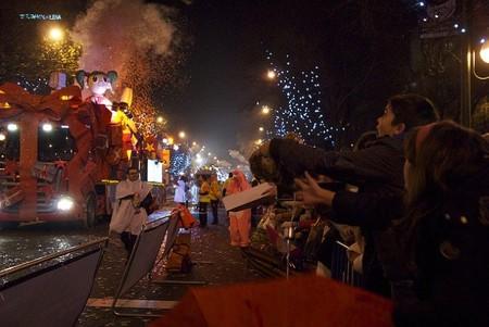 La cabalgata de Reyes del 2014 en Madrid con un gran espectáculo final en la Plaza de Cibeles