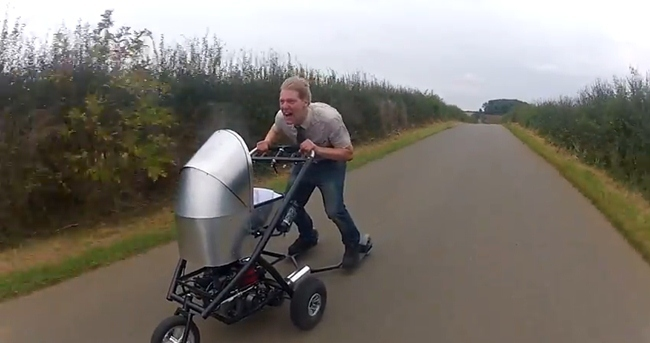 Cochecito de bebé motorizado