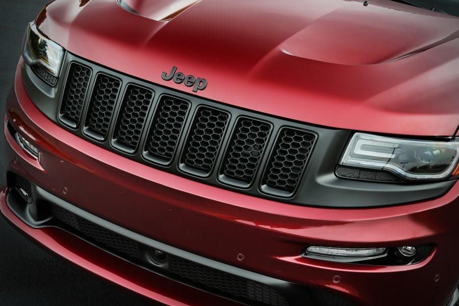 Foto de Jeep Grand Cherokee SRT Night (4/5)