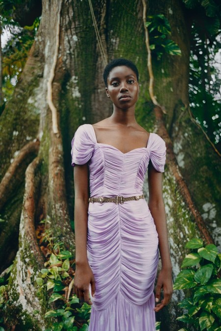 Zara confirma en su nueva colección que el color lila y las flores arrasarán en primavera