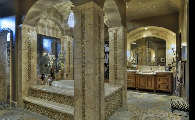 """Baños Estilo Frances:Una casa estilo """"español mediterráneo"""" en Phoenix"""