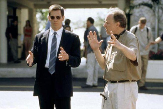 Kevin Bacon y John McNaughton en el rodaje de Juegos Salvajes (Wild Things)
