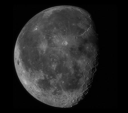 Luna 100 megapixeles