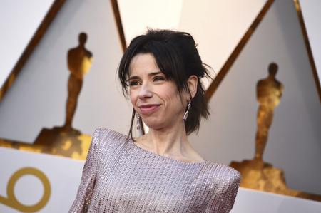 Oscar 2018: Sally Hawkins apuesta por un vestido así de brillante tanto como su interpretación