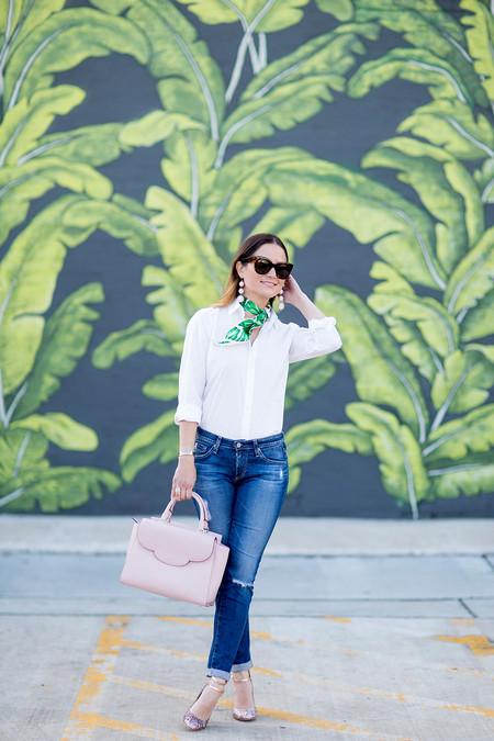 camisa blanca vaquero jeans denim combinación street style