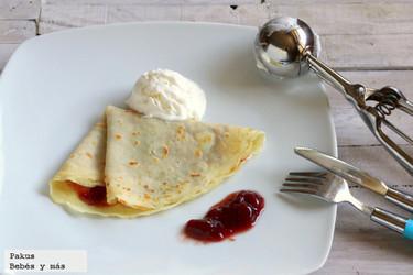 Crepes con nata y mermelada para la merienda