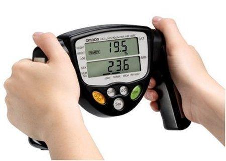 Medir la grasa corporal con básculas de bioimpedancia eléctrica