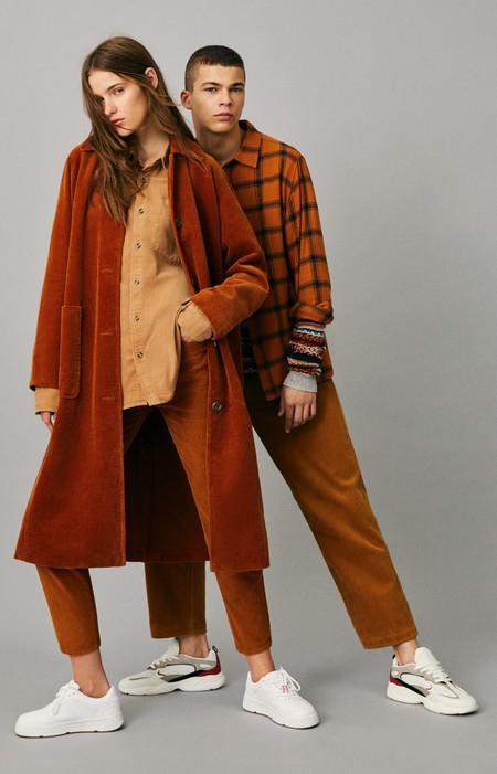 La Pana Monocolor Se Convierte En El Nuevo Uniforme De Pull Bear Para El Otono 4
