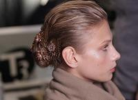 Maquillaje nude y moños, en la tendencia de Carolina Herrera para el otoño 2009
