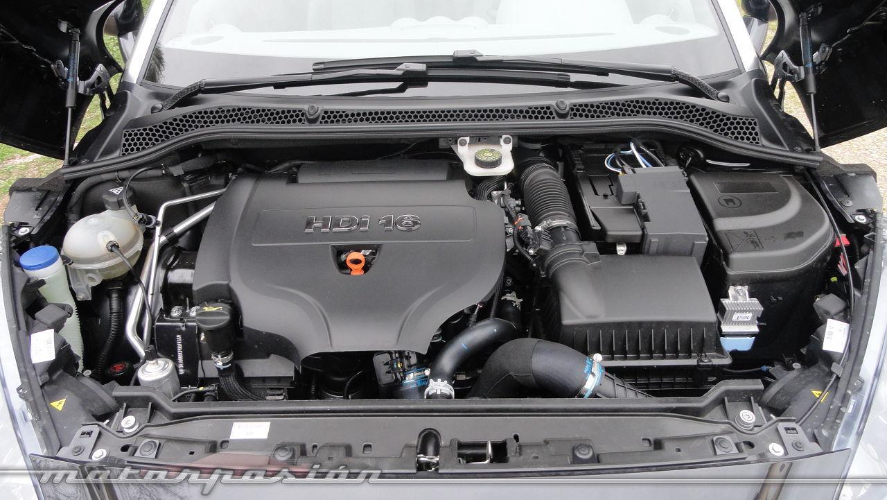 Foto de Peugeot RCZ 2.0 HDi (32/34)