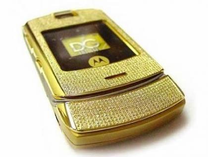 Motorola V3 con 877 diamantes incrustados