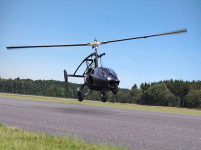 El PAL-V ONE se maneja como un coche, inclina como una moto y vuela como un girocóptero
