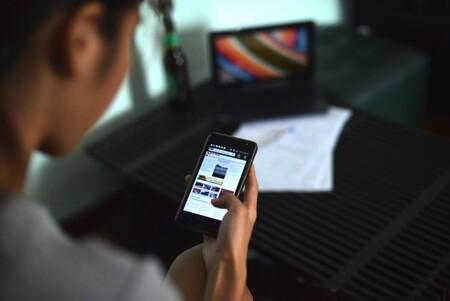 Quien controla las redes, controla el estado: los militares de Myanmar ordenan bloquear Facebook, WhatsApp e Instagram