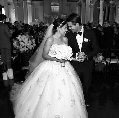 Y sí, tenemos fotos de la boda de Robbie Amell y la de Dianna Agron