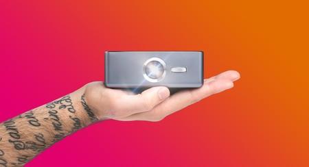 Sweam, un proyector DLP mini con Android 7.1  que cabe en la palma de la mano