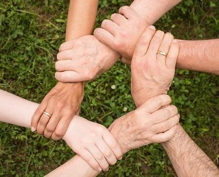 Cuando estamos en grupo pensamos peor y nuestra responsabilidad se diluye