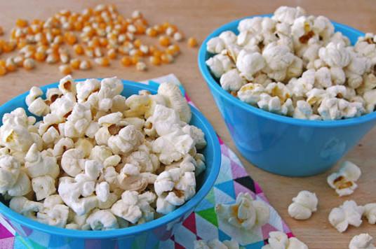 Palomitas de maíz caseras.  Receta de cocina fácil, sencilla y ...