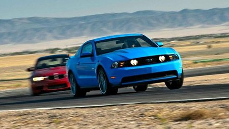 BMW M3 Coupe vs 2011 Ford Mustang
