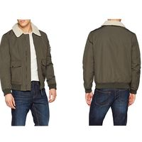 Por sólo 15 euros tenemos la chaqueta Casual Aviator de New Look en color verde en Amazon