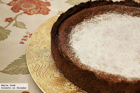 Tarta tibia de chocolate negro y mascarpone. Receta