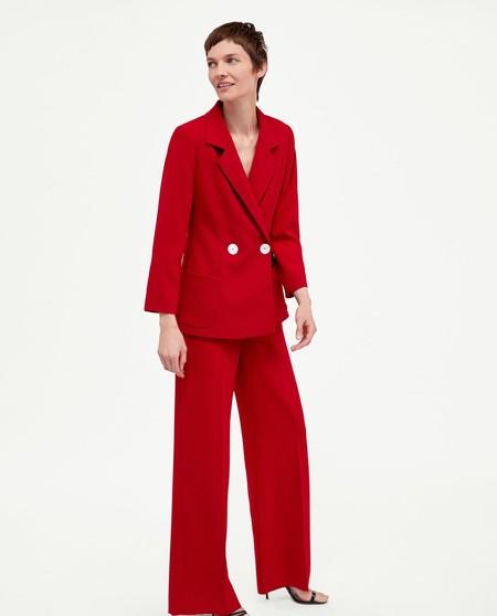 zara traje rojo
