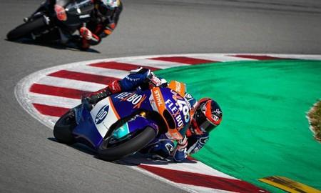 Augusto Fernández vuela en Montmeló y consigue su primera pole position en Moto2 por 21 milésimas