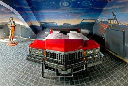 Hotel V8, un sitio ideal para fanáticos del mundo motor