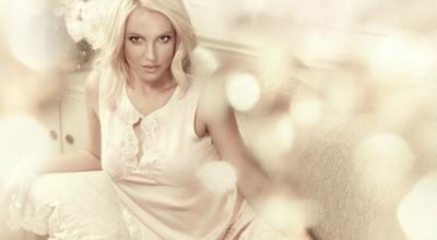 Britney Spears reinventa el concepto de momento épico... ¡Imitando al pájaro loco!