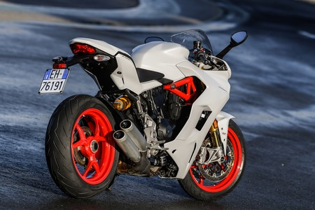 Ducati Supersport S 2017 009