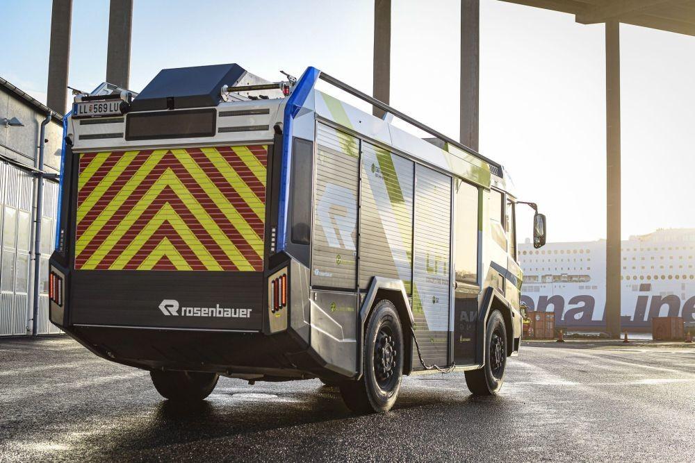 El primer camión de bomberos eléctrico llegará a California en 2021: más ergonómico, más ecológico y adiós al rojo tradicional