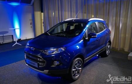 Ford EcoSport azul en IFA 2013 Berlín 01