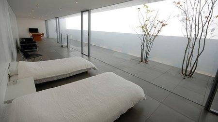 casas que inspiran - minimalismo en Japón - dormitorio