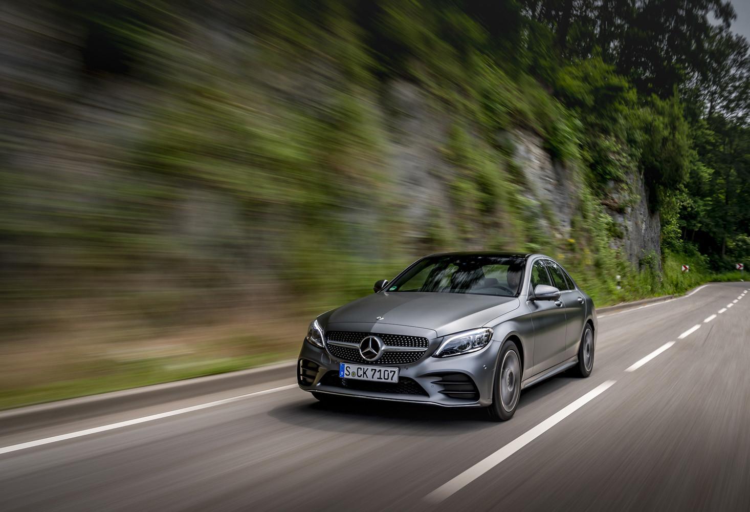 Foto de Mercedes-Benz Clase C 2018, toma de contacto (99/255)