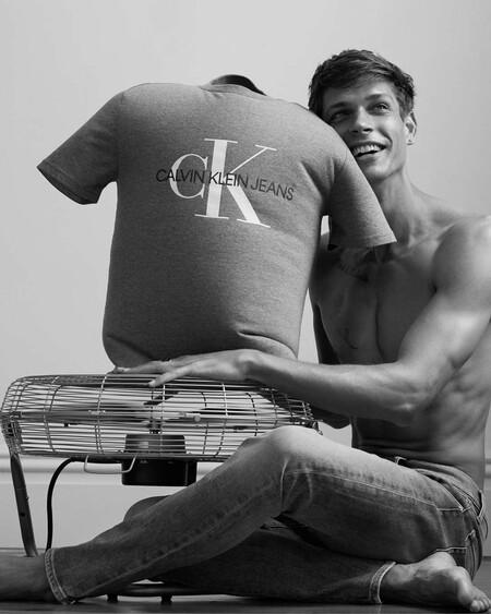 El Otono Mas Desenfadado Y Sexy Que Nunca Gracias A La Campana De Calvin Klein Jeans 04