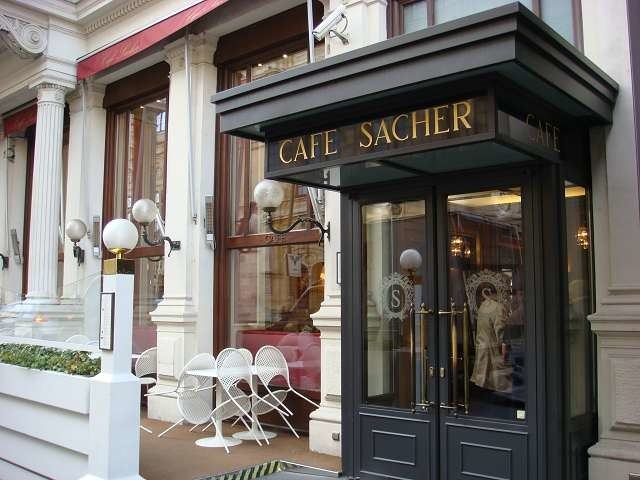 Cafe Sacher Eingang