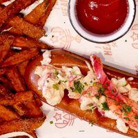 'Lobster roll': probamos el bocadillo de bogavante yanqui que es la nueva moda 'foodie'