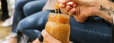 Usar aceite de oliva, crema Nivea con mercromina... Todas las locuras que no debes hacer para broncearte (y por qué son peligrosas para tu salud)