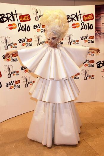 Alfombra roja Brit Awards 2010: los looks de las invitadas