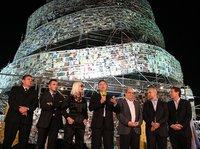 Una Torre de Babel hecha de libros se alza en Buenos Aires
