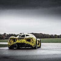 Lotus Evija desboca sus 1,973 caballos de fuerza en una pista (video)