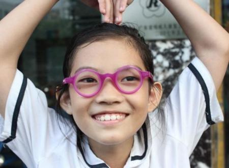 ChildVision Glasses, gafas autoajustables en dioptrías para niños del Tercer Mundo