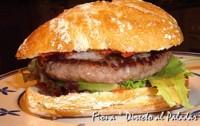 ¿Que pasa cuando mezclas una hamburguesa y pan tumaca?