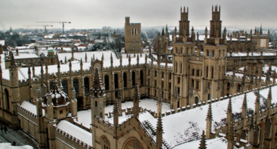 Las universidades británicas se preparan para el Apple Watch... prohibiéndolo en sus aulas