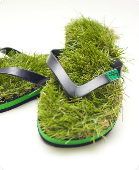 Un paseo interminable por la hierba con estas chanclas