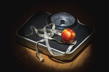 De la dieta de la alcachofa al carbón activado: todas las locuras que te pasan factura a la hora de adelgazar