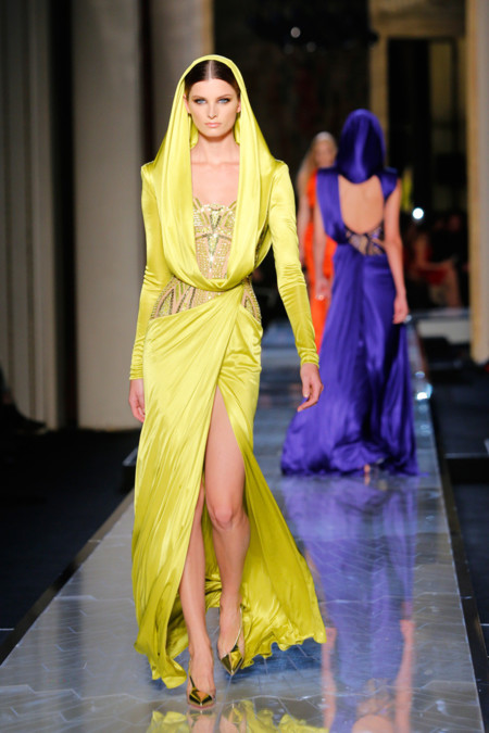 Amarillo Versace Alta Costura Verano 2014